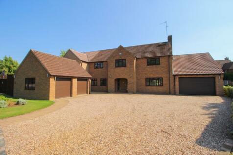 Warkton Lane, Barton Seagrave, Kettering, NN15. 6 bedroom detached house