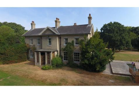 Colne Engaine Road, Halstead, CO9. 8 bedroom detached house