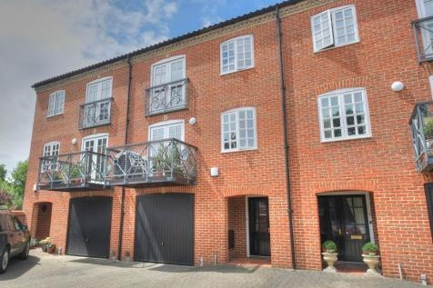 Bracondale Millgate, Norwich, NR1. 4 bedroom terraced house
