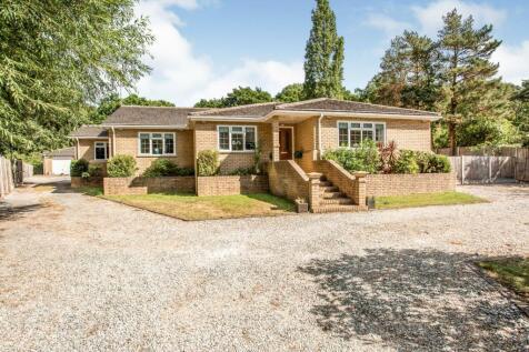 Bassenthwaite Road, BENFLEET, SS7. 5 bedroom detached bungalow
