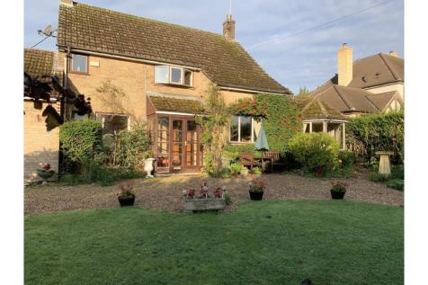 Casterton Lane, Stamford, PE9. 3 bedroom detached house for sale