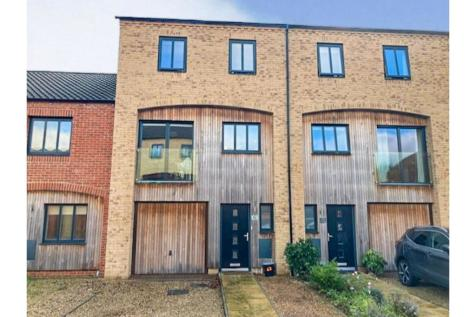 The Sidings, Norwich, NR1. 4 bedroom town house for sale