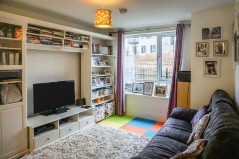 Ivory Close, Hanley, Stoke-on-trent, ST1. 3 bedroom terraced house