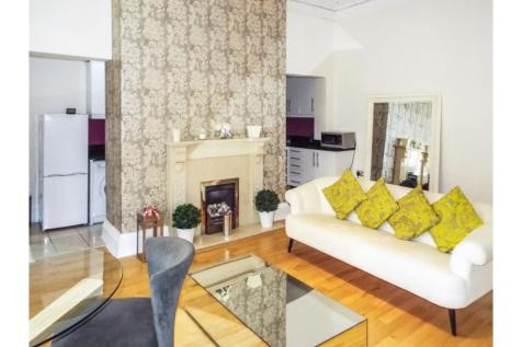 Wellington Court, Nottingham, NG1. 2 bedroom flat