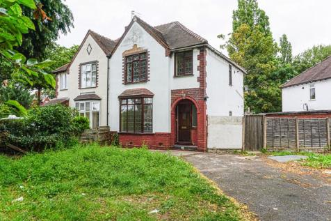 Broadway, Walsall, WS1. 3 bedroom semi-detached house
