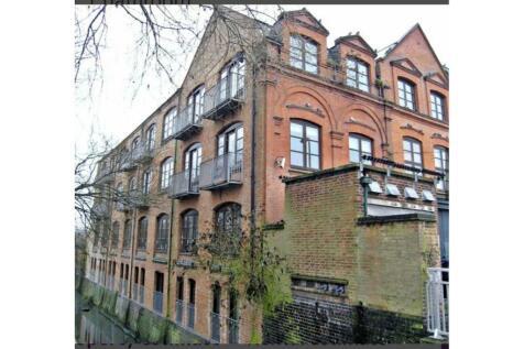 47 Briton Street, West End, Leicester, LE3. 2 bedroom ground maisonette