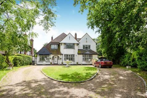 The Glen, Farnborough Park, Orpington, BR6. 4 bedroom detached house