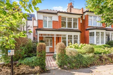 Firs Avenue, Muswell Hill, N10. 4 bedroom terraced house