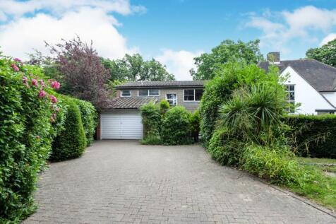Oakwood Close, Chislehurst, BR7. 4 bedroom detached house for sale