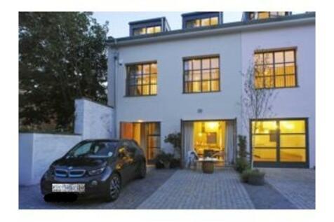 Opal Mews, Kilburn, NW6. 6 bedroom mews house for sale