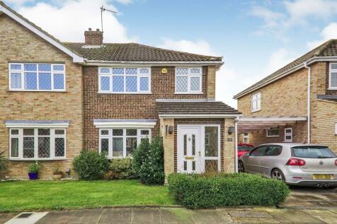 Askern Close, Bexleyheath, DA6. 4 bedroom semi-detached house for sale