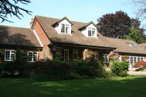 Hammersley Lane, Penn, High Wycombe, HP10. 5 bedroom detached house