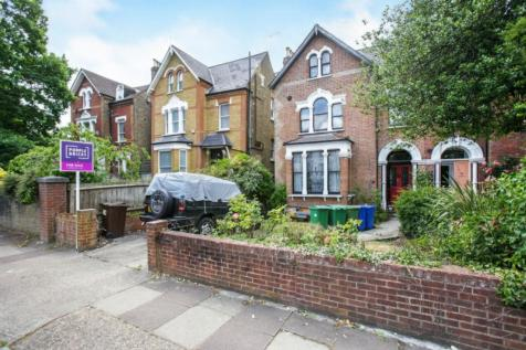 Wood Vale, Forest Hill, SE23. 7 bedroom semi-detached house