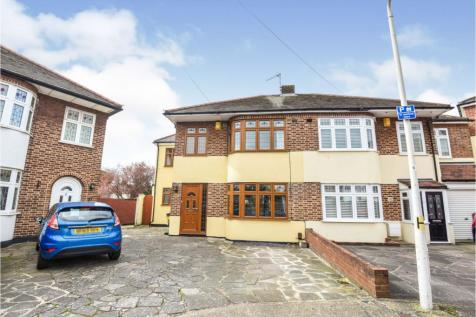 Priests Avenue, Romford, RM1. 4 bedroom semi-detached house for sale