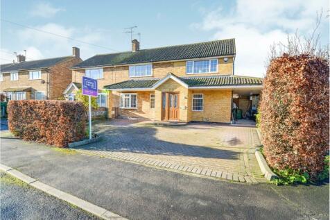 Barrow Lane, West Cheshunt, EN7. 4 bedroom semi-detached house for sale