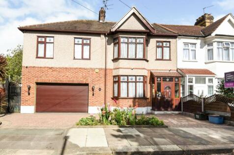 Littlemoor Road, Ilford, IG1. 6 bedroom semi-detached house