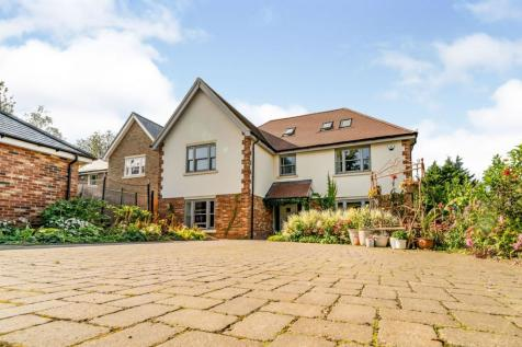 Chesham Road, Berkhamsted, HP4. 6 bedroom detached house for sale
