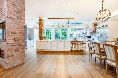 Victoria Avenue, London, N3. 5 bedroom detached house for sale