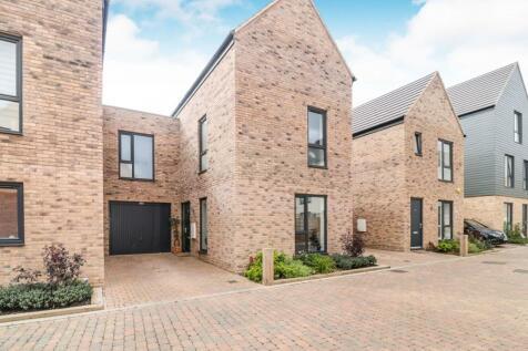 Markwick Avenue, Waltham Cross, EN8. 4 bedroom semi-detached house for sale
