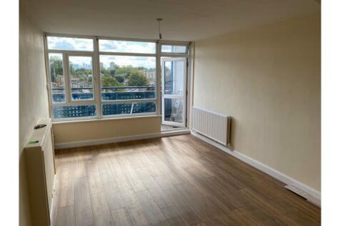 Cassland Road, London, E9. 2 bedroom maisonette