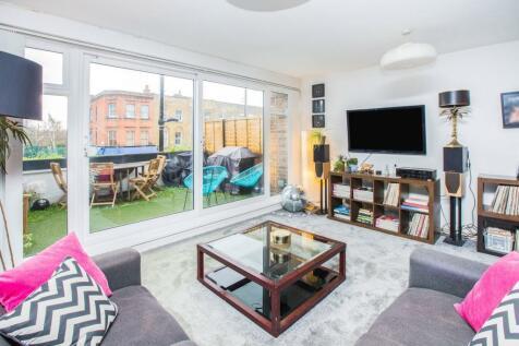 Bethnal Green Road, London, E2. 2 bedroom duplex