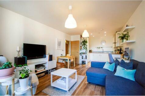 Hyde Lane, Battersea, SW11. 1 bedroom flat