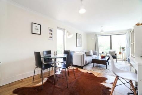 190 Kennington Park Road, London, SE11. 1 bedroom flat