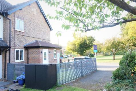 Fairbourne Lane, Caterham, CR3. 1 bedroom end of terrace house