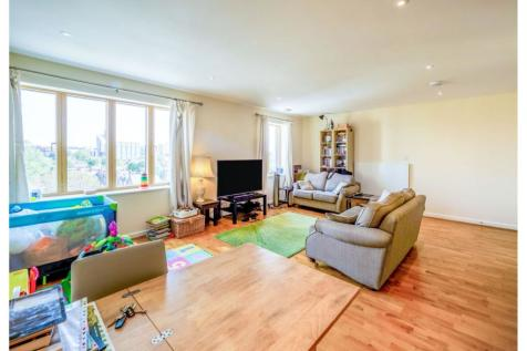 49 Drayton Green Road, West Ealing, W13. 2 bedroom apartment