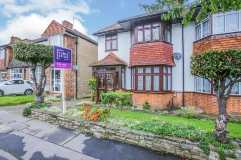 Court Drive, Croydon Waddon, CR0. 5 bedroom semi-detached house for sale