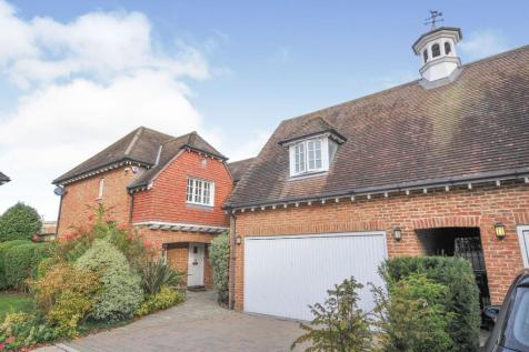 Laurel Gardens, Bromley, BR1. 4 bedroom detached house for sale