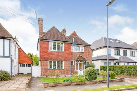 Briants Close, Pinner, HA5. 3 bedroom detached house for sale