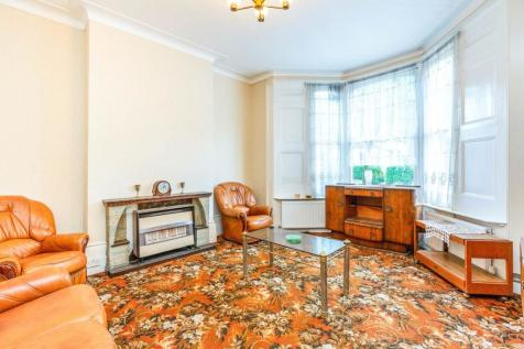 Wilberforce Road, Finsbury Park, N4. 6 bedroom semi-detached house for sale
