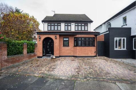 Cranbrook Drive, Romford, RM2. 4 bedroom detached house for sale