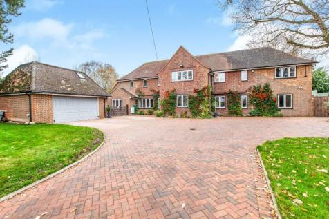 Farthing Green Lane, Stoke Poges, SL2. 6 bedroom detached house for sale