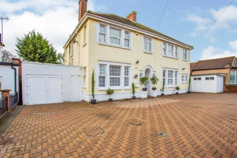 Dormers Wells Lane, Southall, UB1. 4 bedroom semi-detached house for sale