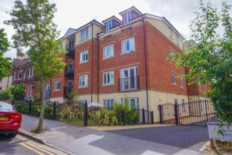 28 Normanton Road, South Croydon, CR2. 2 bedroom apartment