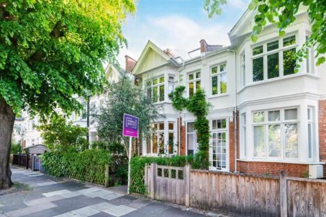 Sedgeford Road, London, W12. 4 bedroom terraced house