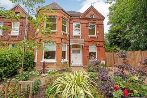 Dartmouth Road, Willesden Green, NW2. 4 bedroom detached house