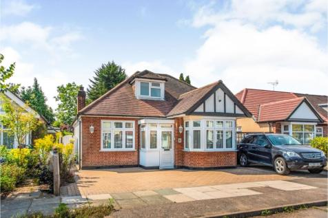 Chestnut Drive, Pinner, HA5. 4 bedroom detached bungalow for sale