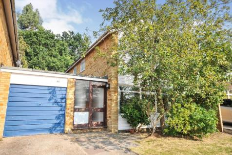 White Oak Drive, Beckenham, BR3. 4 bedroom link detached house for sale