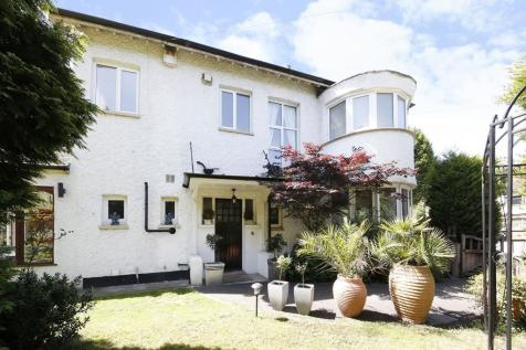 Cheyne Walk, Croydon, CR0. 4 bedroom semi-detached house