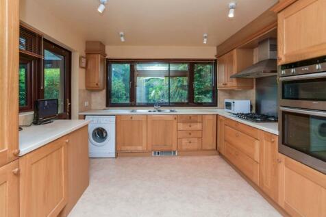 Leesons Hill, Chislehurst, BR7. 4 bedroom detached house for sale
