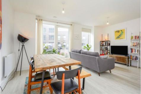 Adenmore Road, London, SE6. 1 bedroom apartment