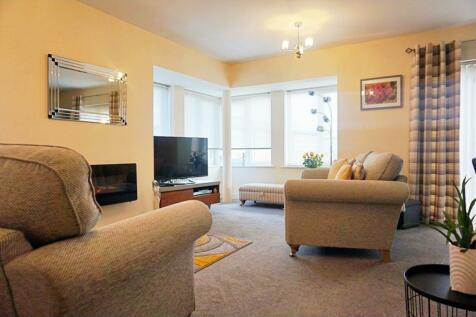 Fairbourne Court, Oldham, OL1. 2 bedroom apartment
