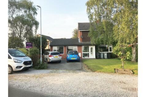 Kents Green Lane, Crewe, CW1. 3 bedroom detached house