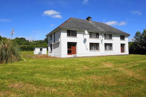 Dernawilt Road, Enniskillen, BT92. 6 bedroom detached house
