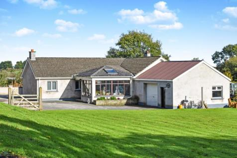 Eglish Road, Annaghmore, Portadown, Armagh, BT62. 4 bedroom detached bungalow