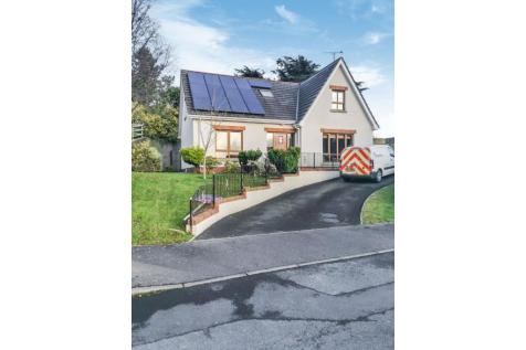 Drummond Brae, Ballynahinch, BT24. 4 bedroom detached house for sale