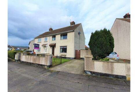 Sunnylands Drive, Carrickfergus, BT38. 3 bedroom semi-detached house